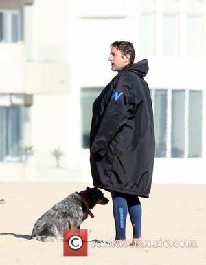 Luke Wilson - Helen Hunt filming and directing her new movie 'Ride' on Venice Beach. The film is about a...
