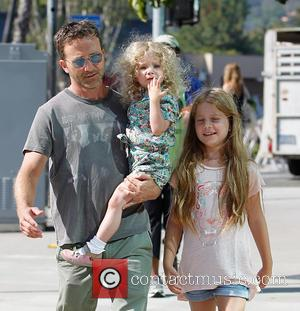 Breckin Meyer, Caitlin Willow Meyer and Clover Meyer - Breckin Meyer at Farmers Market in Studio City with his daughters,...