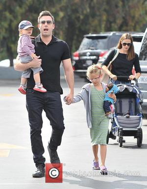 Ben Affleck, Samuel Affleck and Violet Affleck - Jennifer Garner and Ben Affleck take a trip to the Farmer's Market...