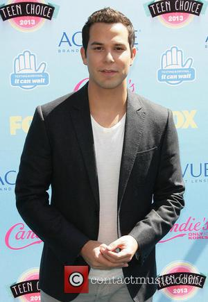 Skylar Astin - 2013 Teen Choice Awards Arrivals held at the Gibson Amphitheatre - Los Angeles, CA, United States -...