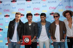One Direction Stars Beg Fan To Stay At Gig