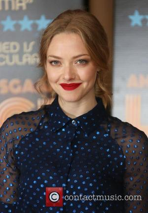 "Amanda Seyfried Dating Justin Long: According To Sources They're ""Inseparable"""