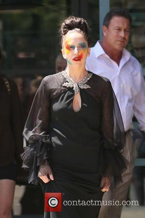 Lady Gaga - Lady Gaga leaving E! building