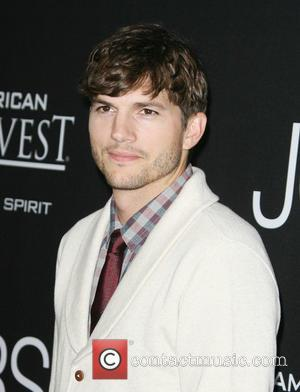 Ashton Kutcher Criticises Media Outlets For Publishing Paparazzi Pictures Of His Daughter