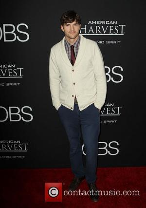 Ashton Kutcher's Portrayal Of Steve Jobs Fails To Impress Critics Following Premiere [Pictures]