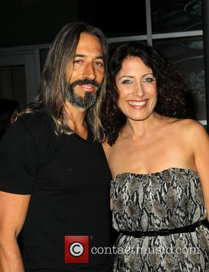 'House' Star Lisa Edelstein Ties The Knot With Robert Russell