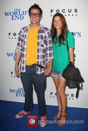 Johnny Knoxville and Naomi Nelson