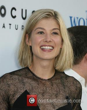 Rosamund Pike - Los Angeles Premiere of