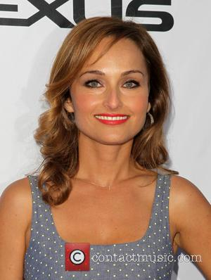 Food Network's Giada De Laurentiis Nearly Slices Off Finger During Live TV