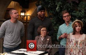 Chris O'donnell, Ll Cool J, Linda Hunt, Barrett Foa and Renée Felice Smith
