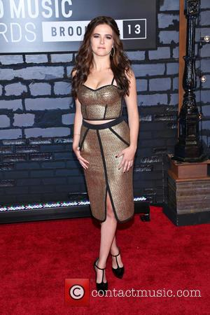 Zoey Deutch - 2013 MTV Music Awards held at the Barclays Center - Arrivals - New York, NY, United States...