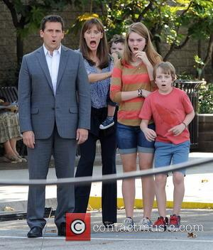 Jennifer Garner, Steve Carell and Kerri Dorsey - Actress Jennifer Garner and Steve Carell spotted running for their lives while...