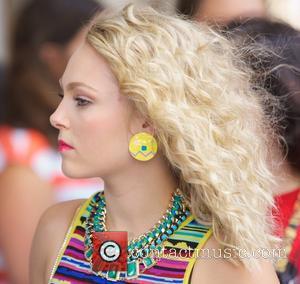 AnnaSophia Robb - AnnaSophia Robb filming 'The Carrie Diaries' - New York City, NY, United States - Tuesday 27th August...