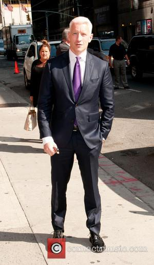 Anderson Cooper - Celebrities outside the Ed Sullivan Theater for 'The Late Show with David Letterman' - New York, NY,...