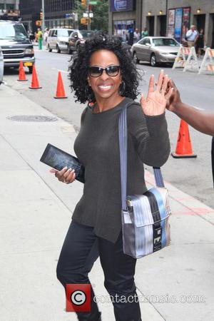 Gladys Knight - Celebrities outside the Ed Sullivan Theater for 'The Late Show with David Letterman' - NYC, NY, United...