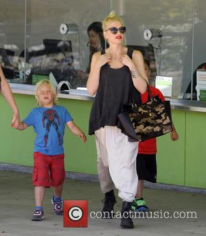 Gwen Stefani, Gwen Stephanie and Kids At The Museum