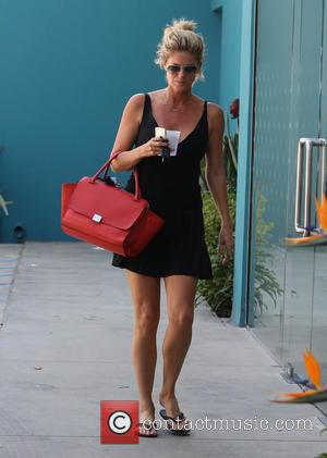 Rachel Hunter - Rachel Hunter running errands in Los Angeles - Los Angeles, California, United States - Friday 30th August...