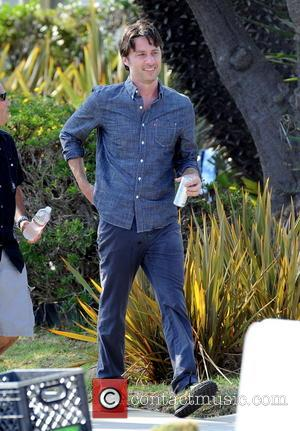 Zach Braff - Actress Kate Hudson on the set of her new movie 'Wish I Was Here' filming in Los...