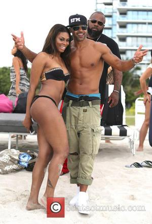 Shemar Moore - Shemar Moore enjoying Labor day on Miami Beach - Miami Beach, Florida, United States - Monday 2nd...