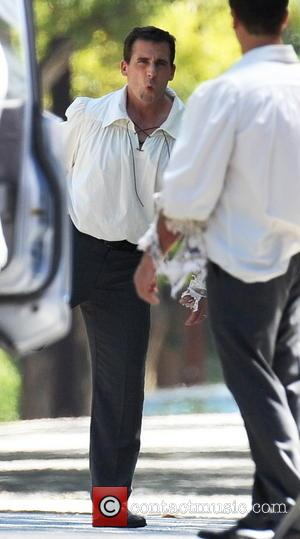 Steve Carell - Actor Steve Carell getting into shape for the next scene whilst on the set of