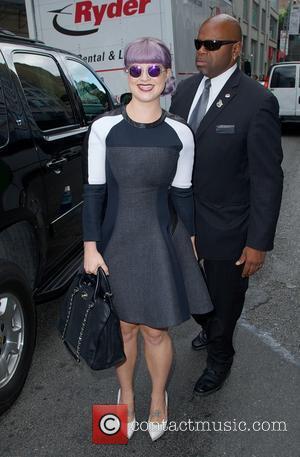 Kelly Osbourne Denies Pregnancy Rumours
