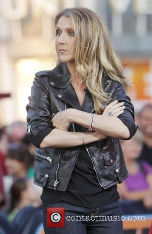 Celine Dion - Celine Dion makes an appearance on the set of 'Extra' at the Grove in Hollywood - Los...