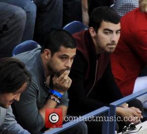 Wilmer Valdarama and Joe Jonas