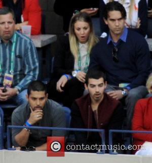 Wilmer Valdarama, Joe Jonas and Ryan Sweeting