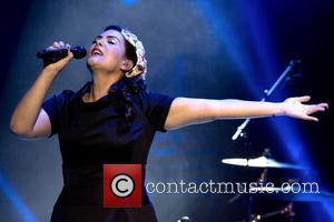 Pregnant Caro Emerald Forced To Postpone March Shows In The UK