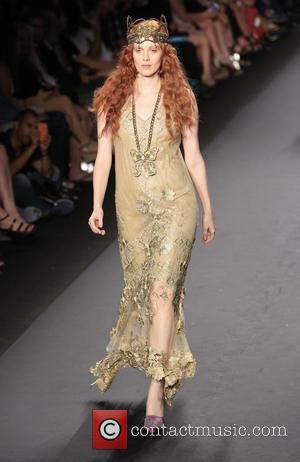 Karen Elson - Mercedes-Benz New York Fashion Week Spring/Summer 2014 - Ana Sui - Runway - New York City, NY,...