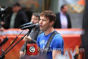 Rockefeller Plaza, James Blunt