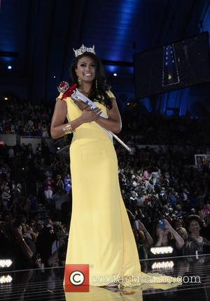 "Miss America 2014 Winner Nina Davuluri Chooses To ""Rise Above"" Racist Comments"