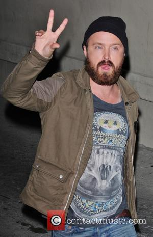 Breaking Bad Star Aaron Paul Calls Fans To Chat About Show