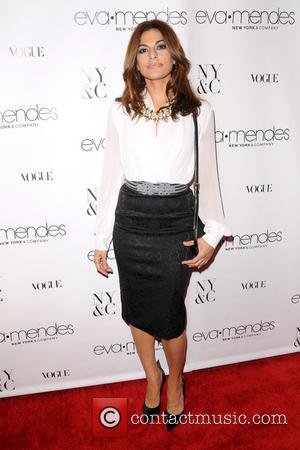 Sweatpants Are 'The Number One Cause Of Divorce In America', According To Eva Mendes