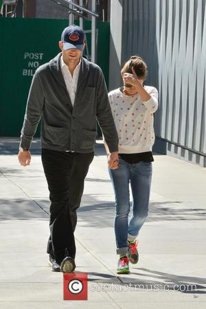 Ashton Kutcher And Demi Moore Divorced For Thanksgiving