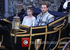 Anna Kendrick and Chris Pine