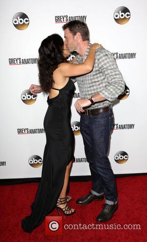 Sandra Oh and Scott Foley