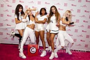 G.R.L., Natasha Slayton, Paula van Oppen, Simone Battle, Emmalyn Estrada and Lauren Bennett - G.R.L. at Westfield Old Orchard Mall...