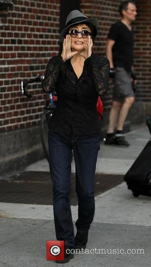 Yoko Ono - Celebrities outside the Ed Sullivan Theater for the Late Show with David Letterman. - New York, NY,...