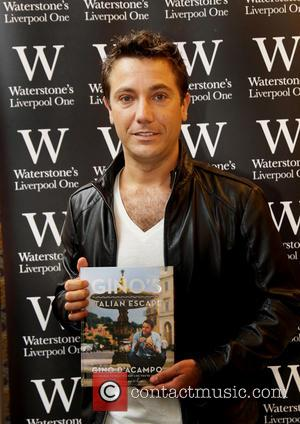 Gino D'Acampo - Gino D'Acampo meets fans and signs copies of his new book 'Gino's Italian Escape' at Liverpool Waterstones...