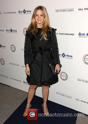 Jennifer Jason Leigh Is Single Again After Three-year Divorce Battle