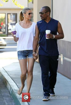 Eddie Murphy and Paige Butcher - Eddie Murphy and model girlfriend Paige Butcher spotted out getting coffee in Studio City...