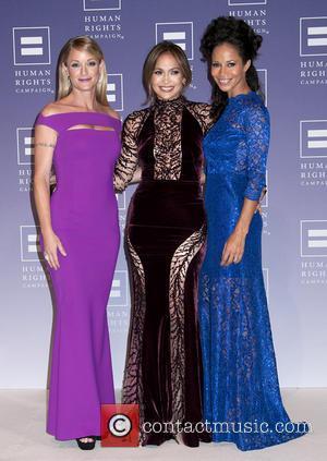 Teri Polo, Jennifer Lopez and Sherri Saum