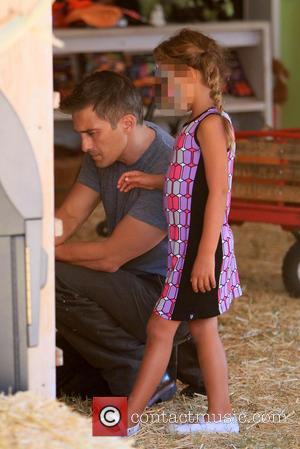 Olivier Martinez and Nahla Aubry - Olivier Martiez takes his step daughter Nahla Aubry to the Mr Bones Pumpkin Patch...