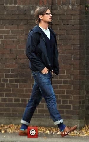 Josh Hartnett - Hollywood actor Josh Hartnett seen walking around town today with seriously high turn-ups on his jeans. Hartnett...