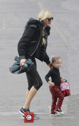 Kimberly Stewart and Delilah Del Toro - Kimberly Stewart takes her daughter Delilah Del Toro to school - Los Angeles,...