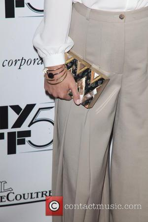 Olivia Wilde and Purse