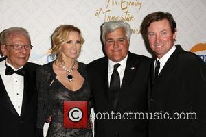 Alfred E. Mann, Janet Gretzky, Jay Leno and Wayne Gretzky