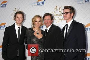 Janet Jones Gretzky, Wayne Gretzky and Sons
