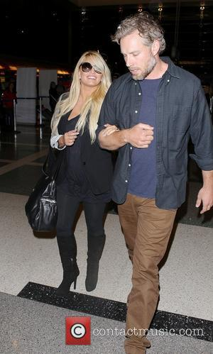 Jessica Simpson Marries Eric Johnson & Makes $300K Selling Wedding Photos